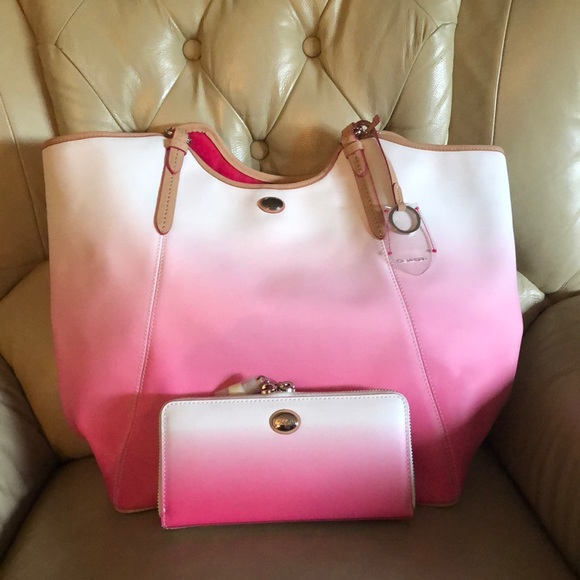 Coach Handbags - Coach pink Ombré beach tote with matching wallet
